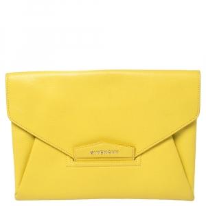 حقيبة كلتش جيفنشي أنتيغونا ظرف جلد أصفر متوسطة