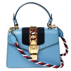 حقيبة كتف غوتشي سيلفي بسلسلة ويب ميني جلد زرقاء