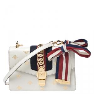 حقيبة كتف غوتشي سيلفي جلد أبيض نجوم ونحل صغيرة