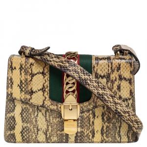 حقيبة كتف غوتشي سيلفي صغيرة مزينة سلسلة ويب جلد ثعبان كريمي