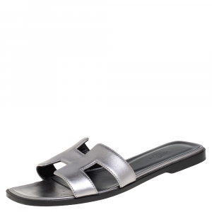 Hermes Silver Leather Oran Sandals Size 37 - used