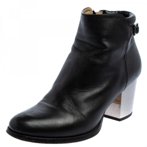 Jimmy Choo Black Leather Zipper Ankle Boots Size 35.5 - used
