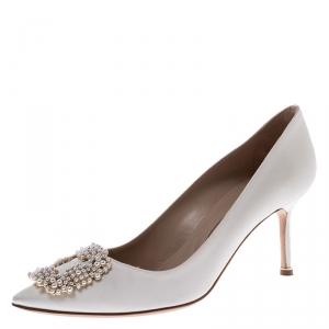 Manolo Blahnik White Satin Hangisi Embellished Pointed Toe Pumps Size 39.5