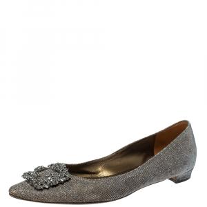 حذاء فلات باليه مانولو بلانيك هانجيسى زخرفات كريستال قماش غليتر رمادى ميتالك مقاس 41