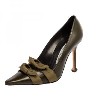 حذاء كعب عالي مانولو بلانيك مقدمة مدببة فيونكة جلد أخضر مقاس 37