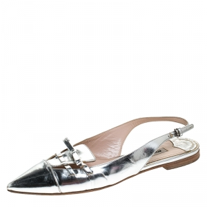 Miu Miu Silver Patent Leather Pointed Toe Slingback Flat Slides Size 36.5 - used