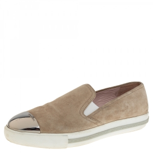 حذاء رياضى ميو ميو سليب أون نعل سميك غطاء مقدمة معدن سويدى بيج مقاس 41
