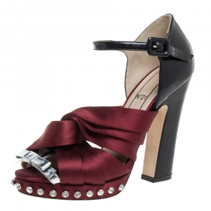 N21 Burgundy/Black Satin And Patent Leather Crystal Embellished Pleated Bow Ankle Strap Sandals Size 38 - used