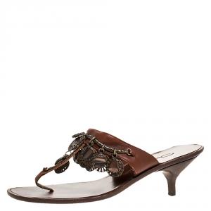 Oscar de la Renta Brown Leather Charm Embellished Kitten Heel Sandals Size 37.5 - used