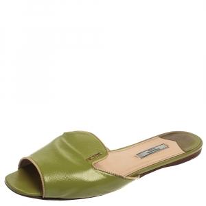 Prada Apple Green Saffiano Patent Leather Slide Sandals Size 40.5 - used