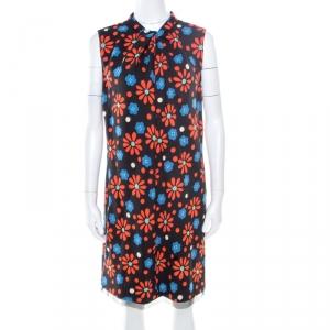 فستان سان لوران باريس بلا اكمام قصة درابيه على الوجه وياقة مرتفعة بنقوش موردة أسود M