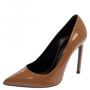 حذاء كعب سان لوران مقدمة مدببة أنغا جلد لامع بنى مقاس 38.5