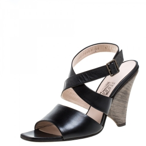 Salvatore Ferragamo Black Leather Criss Cross Ankle Strap Sandals Size 38.5 - used