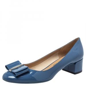 حذاء كعب عالي سالفاتوري فيراغامو فيونكة فارا جلد لامع أزرق مقاس 40.5