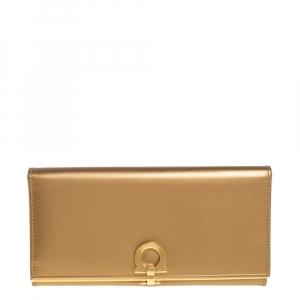 محفظة كونتينينتال سالفاتورى فيراغامو أيقونة غانسيني جلد ذهبي