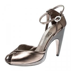 Salvatore Ferragamo Metallic Bronze Leather Ankle Strap Sandals Size 37.5 - used