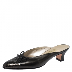 Salvatore Ferragamo Black Leather and Snakeskin Bow Mules Sandals Size 37.5