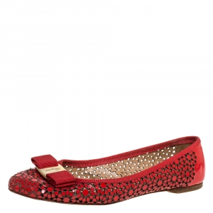 Salvatore Ferragamo Red Patent Leather Laser Cut Ballet Flats Size 37.5 - used