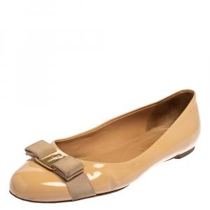 Salvatore Ferragamo Beige Patent Leather Vara Bow Ballet Flats Size 40.5
