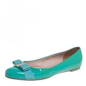 حذاء فلات سالفاتوري فيراغامو فيونكة فارا جلد لامع أخضر مقاس 39.5