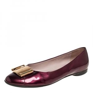 Salvatore Ferragamo Burgundy Patent Leather Buckle Embellished Ballet Flats Size 39 - used