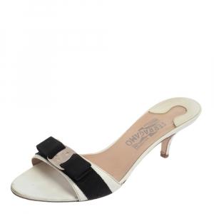 Salvatore Ferragamo White Leather Vara Bow Slide Sandals Size 39.5 - used