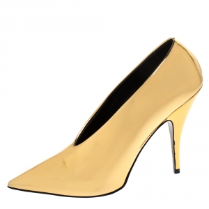 Stella McCartney Metallic Gold Faux Patent Leather V Neck Pointed Toe Pumps Size 38 - used