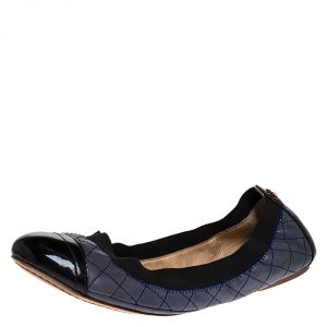 Tory Burch Blue/Black Patent And Leather Quilted Detail Scrunch Ballet Flats Size 38 - used