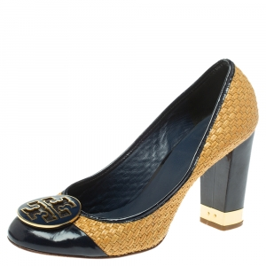 Tory Burch Beige/Blue Raffia And Patent Leather Round Toe Pumps Size 40