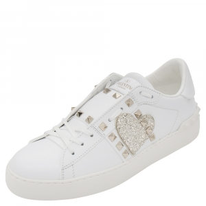Valentino White Heart Embroidered Leather Rockstud Untitled Sneakers Size 39