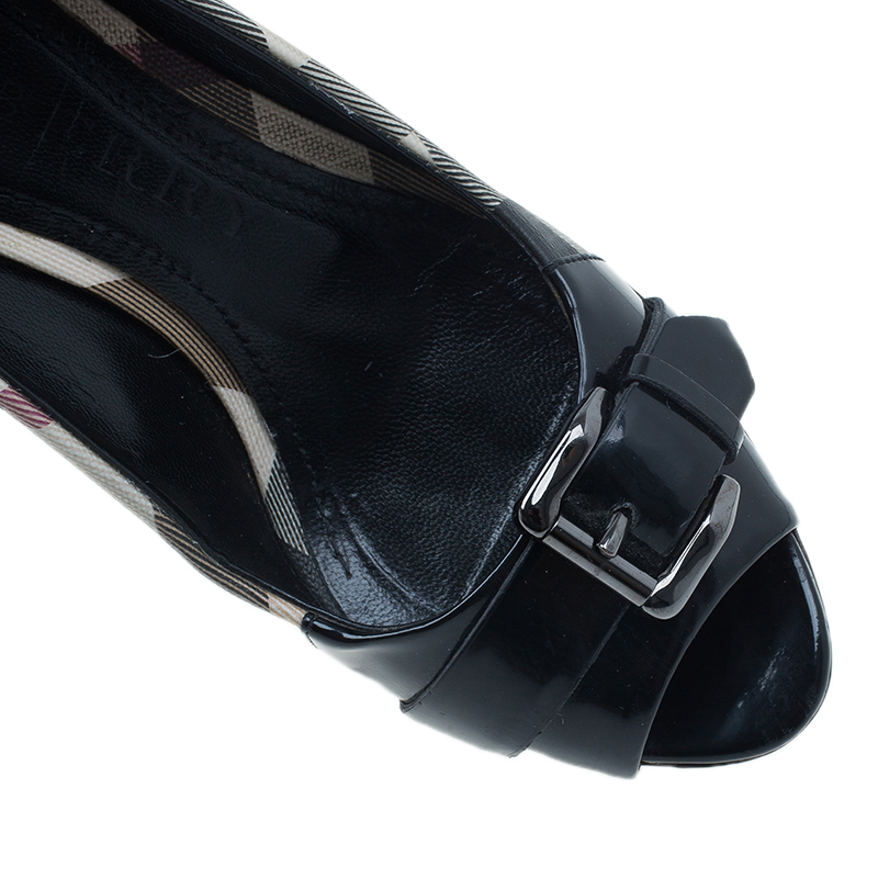 Burberry Novacheck Canvas and Leather Buckle Pumps Size 37