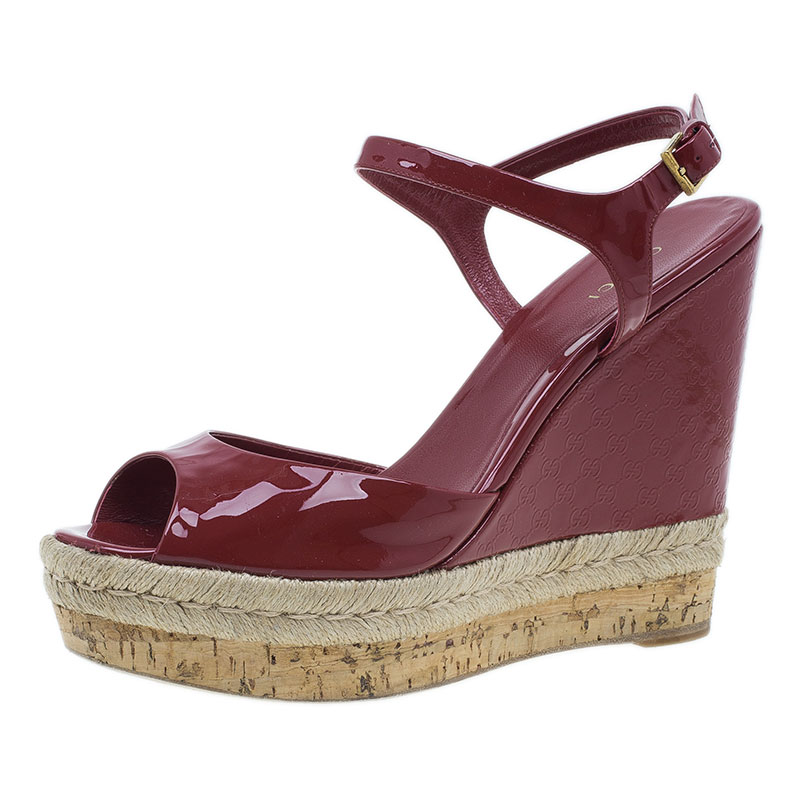 Gucci Red Microguccissima Patent Leather Hollie Wedge Sandals Size 41