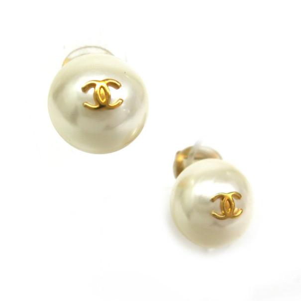 Chanel Artificial Pearl Earrings Nextprev Prevnext