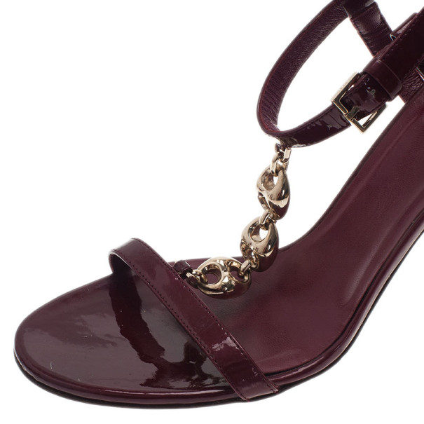 Gucci Purple Patent Chain Link T Strap Sandals Size 36