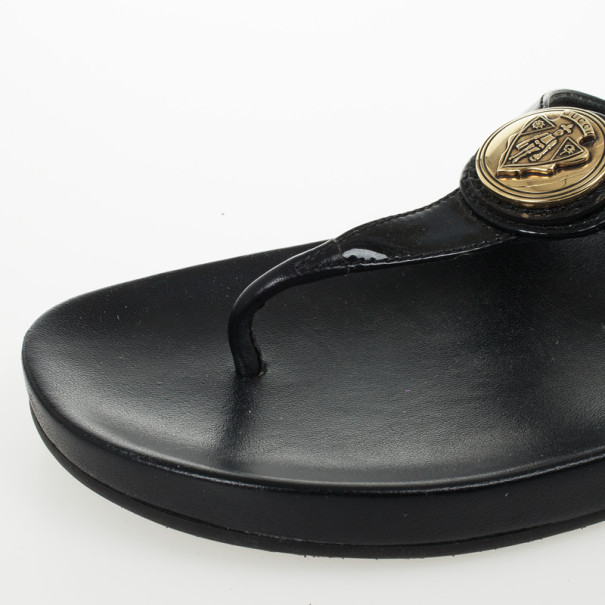 Gucci Black Patent Hysteria Thong Sandals Size 40