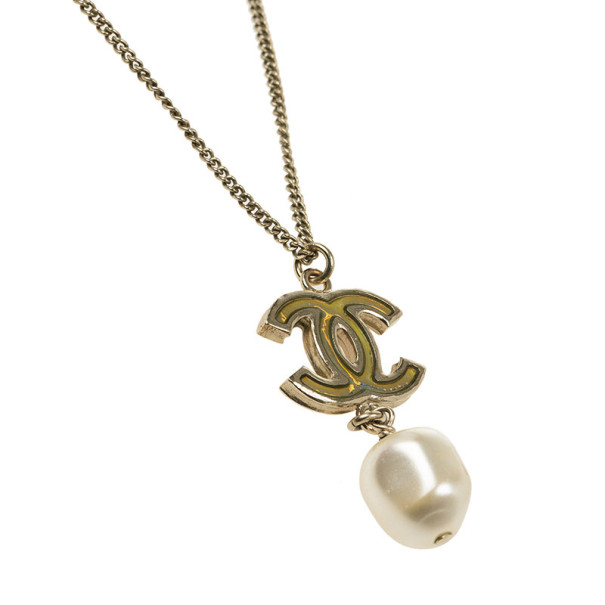 Chanel CC Mother of Pearl and Dangle Pearl Necklace