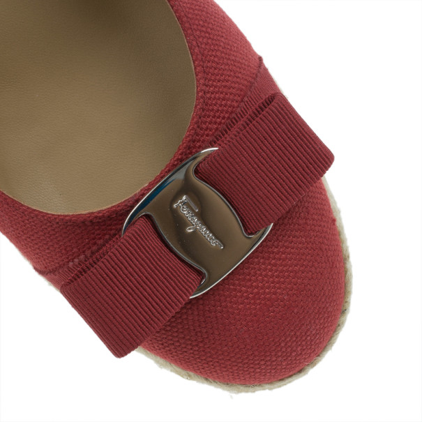 Salvatore Ferragamo Red Canvas Bow Detailed 'Darly' Espadrille Wedges Size 38.5