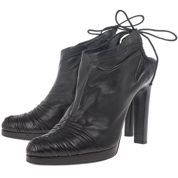 Gucci Black Leather Back Tie Ankle Booties Size 39.5