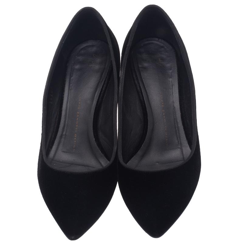 Giuseppe Zanotti Black Velvet Spiked Block Heel Pumps Size 38