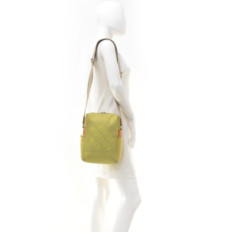 Louis Vuitton Green Weathery Cup 2003 Geant Messenger