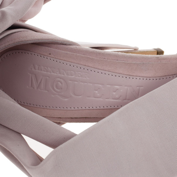 Alexander McQueen Pink Suede Bow Embellished Sandals Size 36