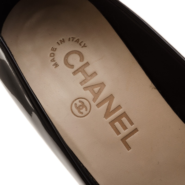 Chanel Black & White Patent CC Cap Toe Pumps Size 37