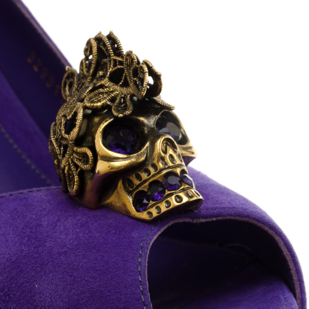 Alexander McQueen Purple Suede Lace Skull Studded Pumps Size 40