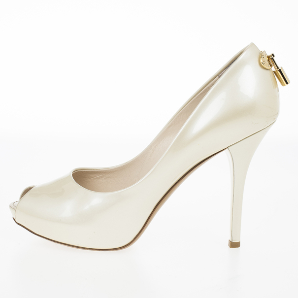 Louis Vuitton Pearl Patent Oh Really! Peep Toe Pumps Size 38