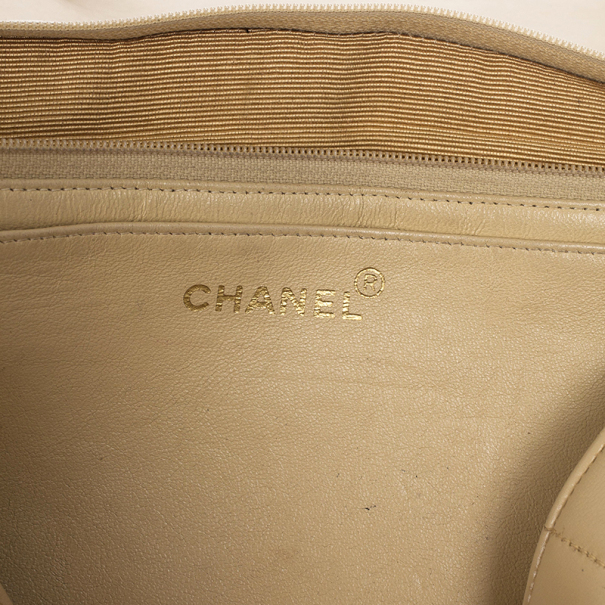Chanel Vintage Vertical Quilt Lambskin Jumbo Classic Flap Bag