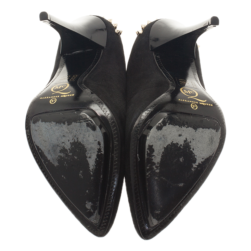 McQ by Alexander McQueen Black Suede Studded Platform Pumps Size 37