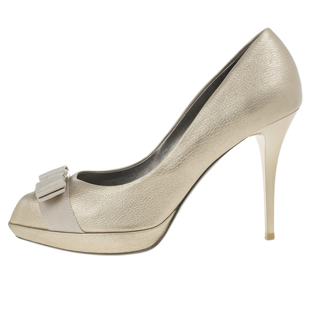 Salvatore Ferragamo Metallic Leather Vara Bow Peep Toe Platform Pumps Size 38.5