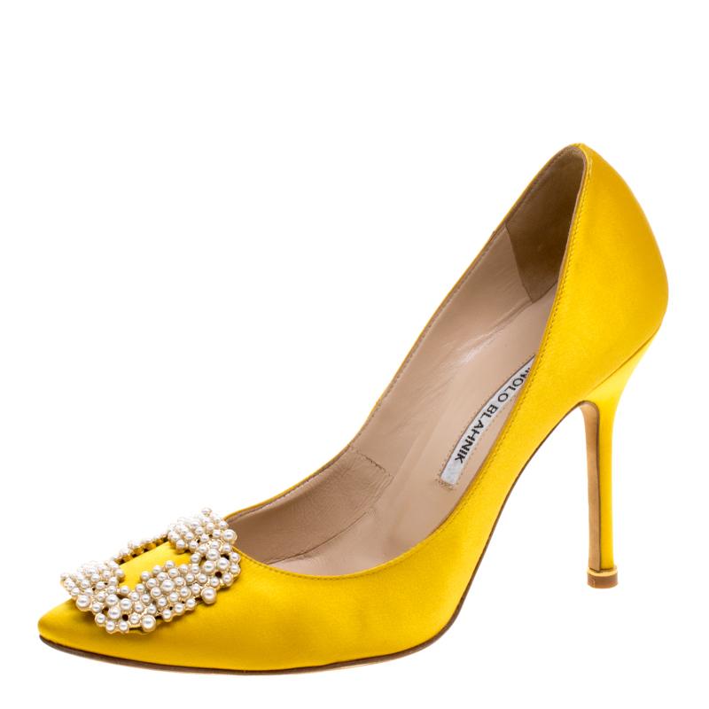 6a8195626e138 ... clearance manolo blahnik canary yellow satin hangisi embellished pumps  size 38. nextprev. prevnext 7ec5d