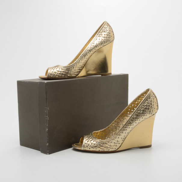 Louis Vuitton Stand By Me Peep Toe Wedge Pumps Size 40.5