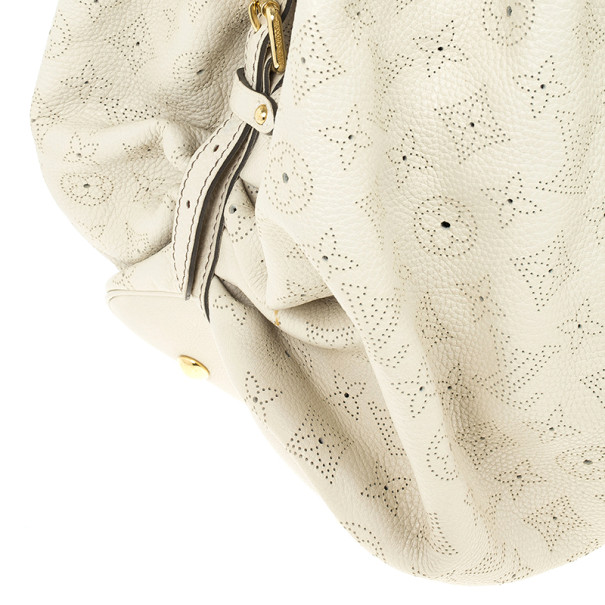 Louis Vuitton Ivory Mahina Leather XL Hobo